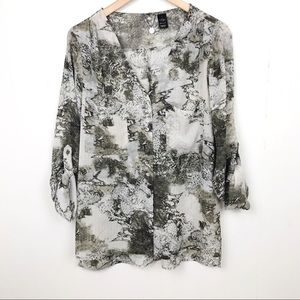 BKE Boutique Abstract Animal Print L
